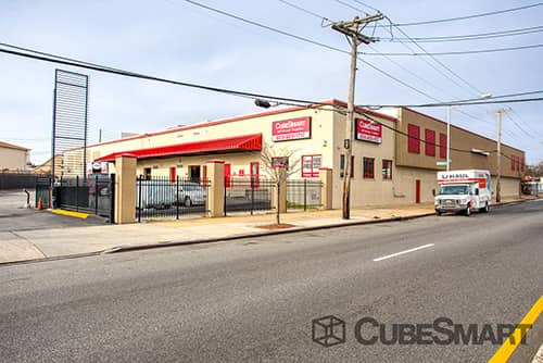 St. Albans, Queens CubeSmart self storage facility
