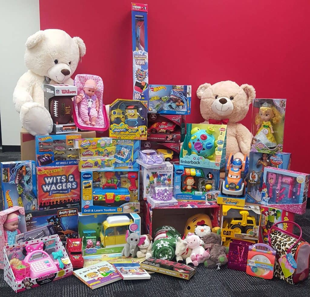 Display Toys For Tots : Inside cubesmarts season of giving toys for tots