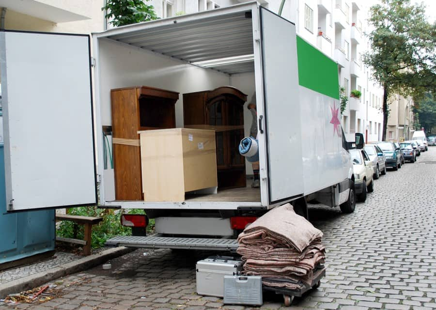 Know the best time to move before getting a moving truck