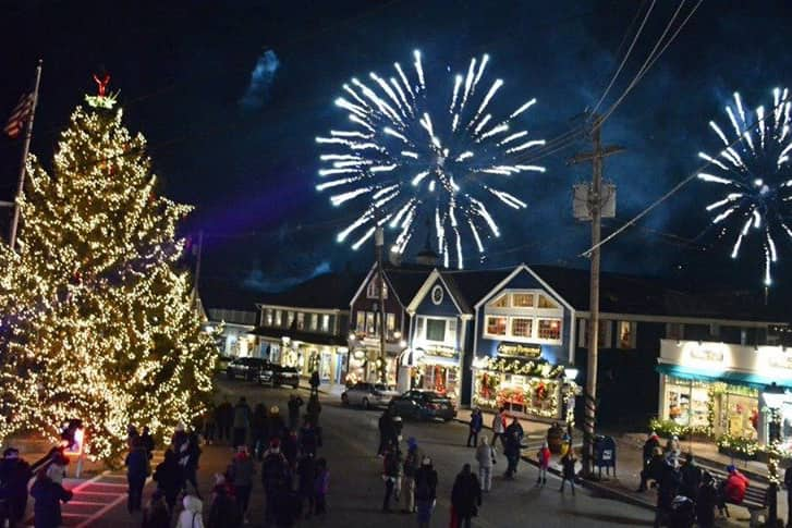 downtown kennebunkport at christmas