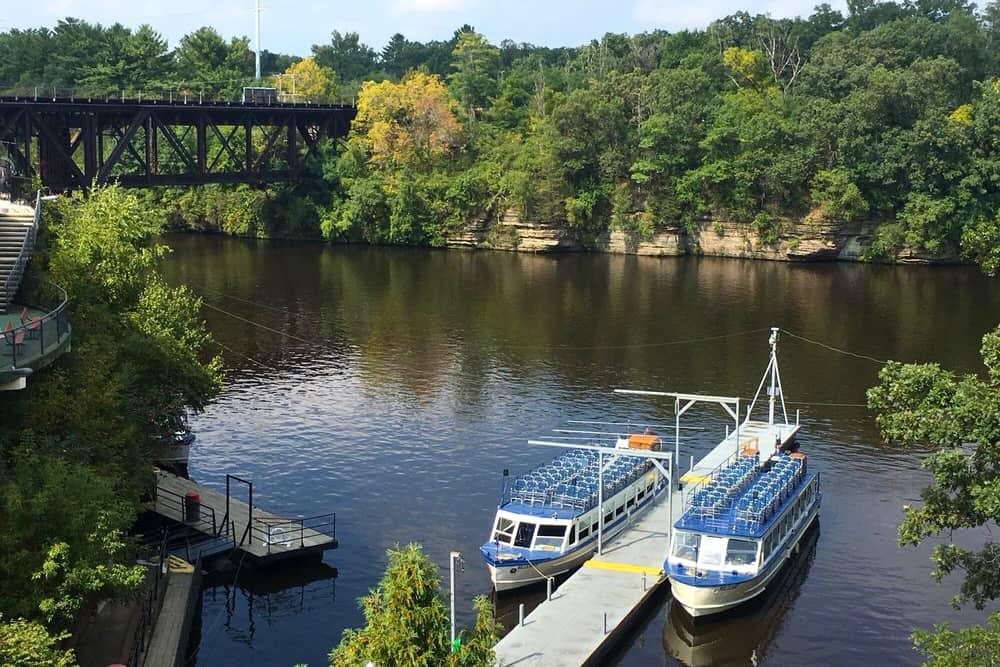 Wisconsin Dells boat trip