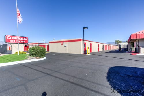 Attirant Exterior Of CubeSmart Self Storage Facility At 2855 South Pantano Road