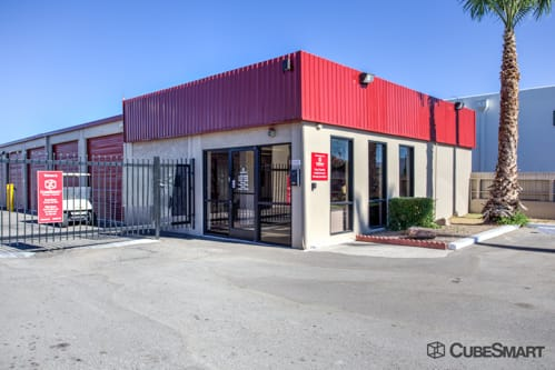 Exterior Of CubeSmart Self Storage Facility In Tucson, AZ