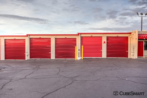 Self storage units with red roll-up doors in Albuquerque, NM