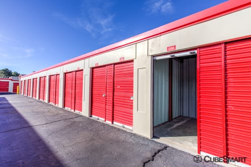 Gentil ... NM Self Storage Units With Red Roll Up Doors In Albuquerque, NM