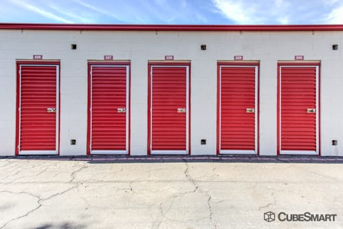 Self storage units with red roll-up doors in Phoenix, AZ