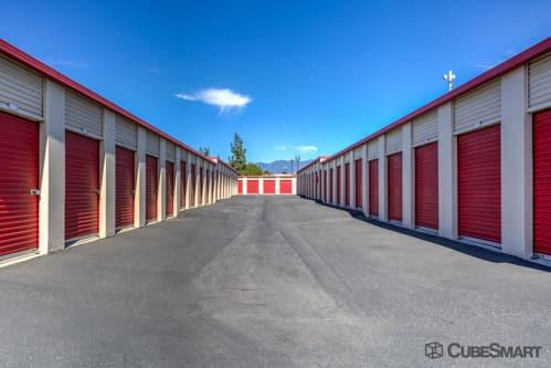 Self Storage Units In Rialto From 54 At 210 W Bonnie