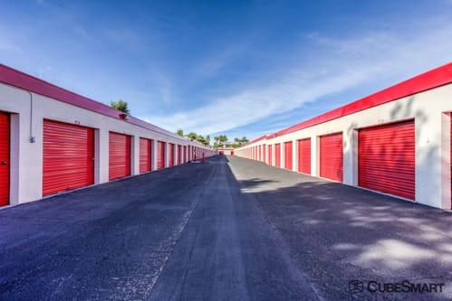 self storage units from 85 at 2645 south nellis boulevard in las vegas nv cubesmart. Black Bedroom Furniture Sets. Home Design Ideas