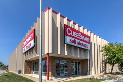 Self Storage Units At 1240 W 98th St In, Storage Facilities Maple Grove Mn