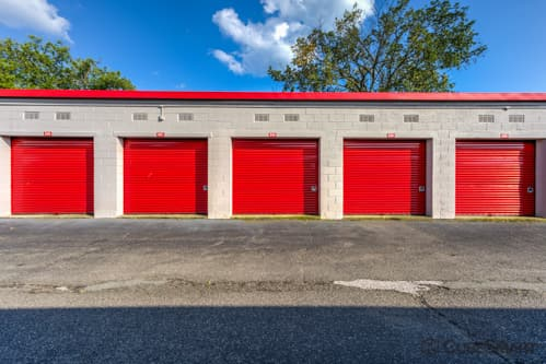 Self storage units with red roll-up doors in Parsippany, NJ