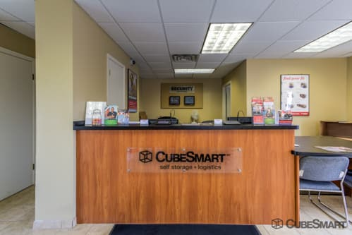 ... Workspace In CubeSmart Office At 307 East Hanover Avenue ...