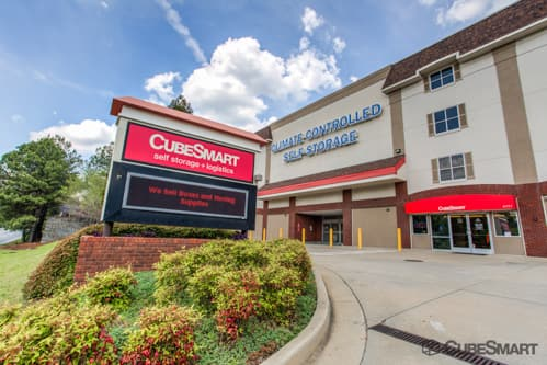 Exterior of multi-story CubeSmart Self Storage facility 4771 S Atlanta Rd SE