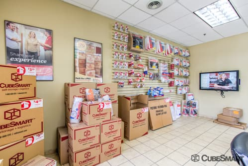 Moving supplies sold at CubeSmart in Bellwood, IL