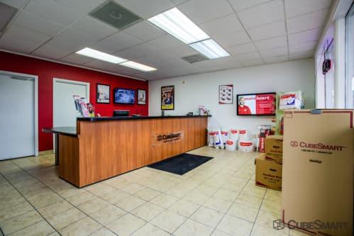 ... CubeSmart Self Storage Office In Houston, ...