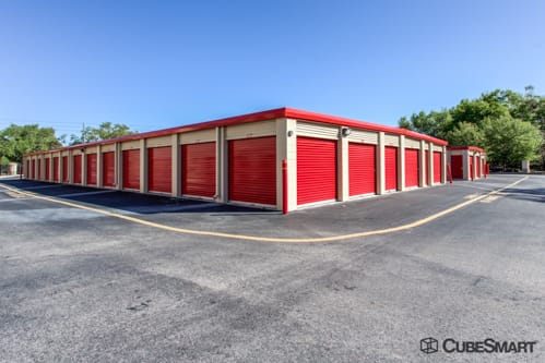 Self storage units with red roll-up doors in Orlando, FL
