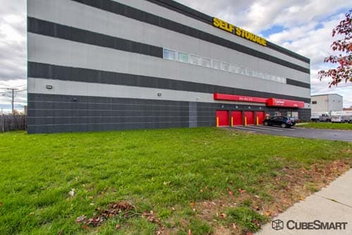 Delicieux Exterior Of A Multi Story CubeSmart Self Storage Facility In Medford, MA