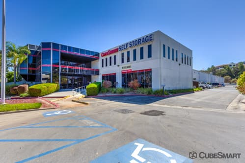 Exterior of a multi-story CubeSmart Self Storage facility in Temecula, CA