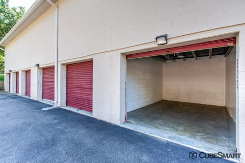 Self storage units with red roll-up doors in Annapolis, MD