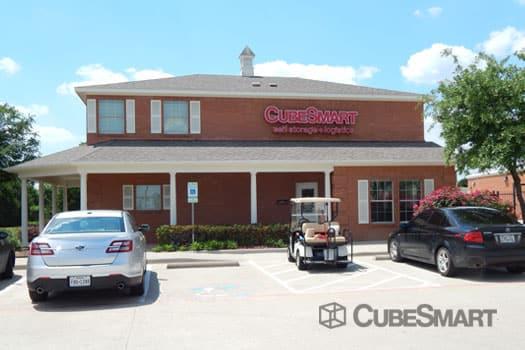 SelfStorage Units at 12300 College Parkway in Frisco, TX @CubeSmart