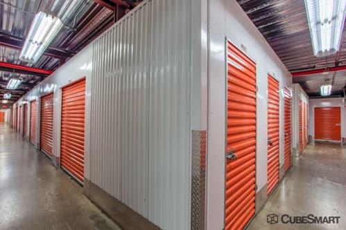 ... NY Interior self storage units at 955 Bronx River Avenue & Self-Storage Units (From $25) at 955 Bronx River Avenue in Bronx NY ...