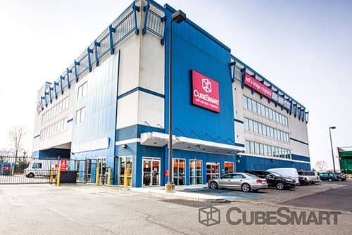 Exterior of a multi-story CubeSmart Self Storage facility in Brooklyn, NY