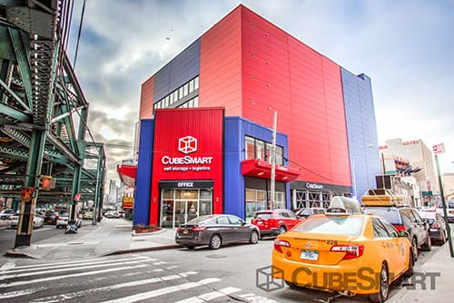 Exterior of a multi-story CubeSmart Self Storage facility in Long Island City, NY