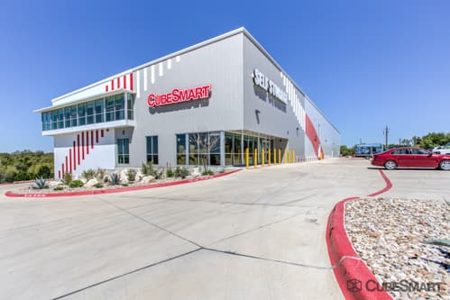 Exterior of a multi-story CubeSmart Self Storage facility in Austin, TX