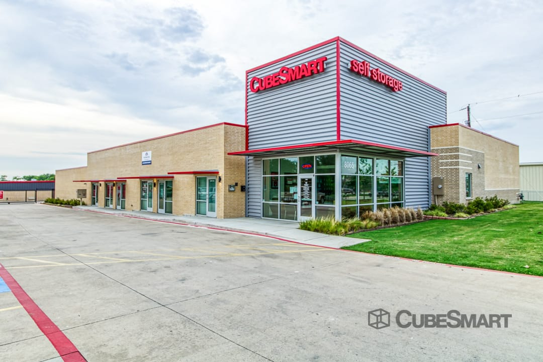 Self Storage Units At 8065 Old Decatur Rd In Fort Worth Tx Cubesmart