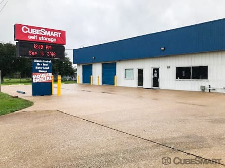 A CubeSmart Facility Photo in Old River Winfree, TX