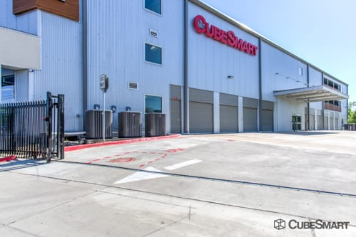 Ordinaire ... TX Self Storage Units At 5715 Burnet Road ...