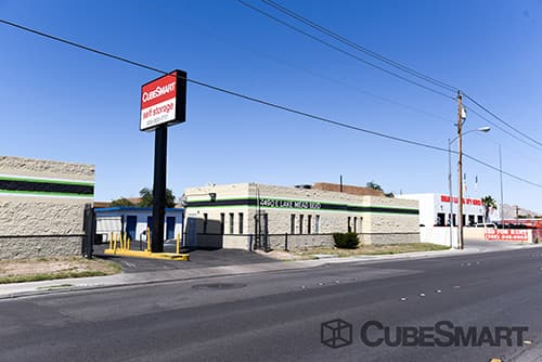 Self Storage Units In Las Vegas From 28 At 4490 E Lake