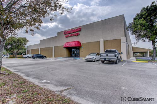 Exterior of a multi-story CubeSmart Self Storage facility in Lake Worth, FL