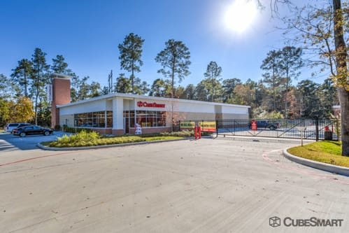 Exterior of CubeSmart Self Storage facility in The Woodlands, TX