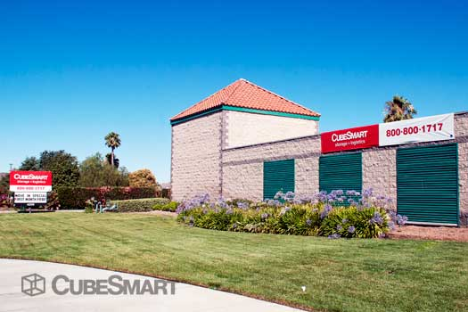 Entrace to CubeSmart at 4250 West  Florida Avenue