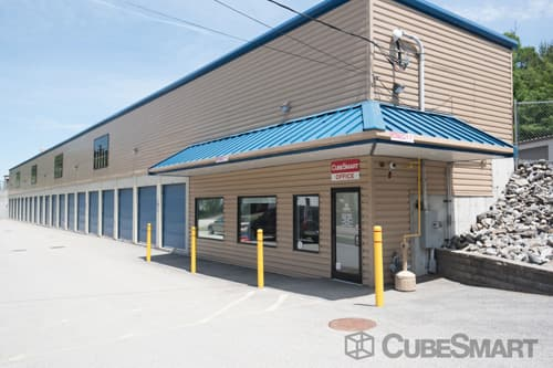Exterior of CubeSmart Self Storage facility in Webster, MA
